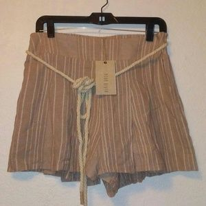 NWT Anthropologie Moon River pleated shorts